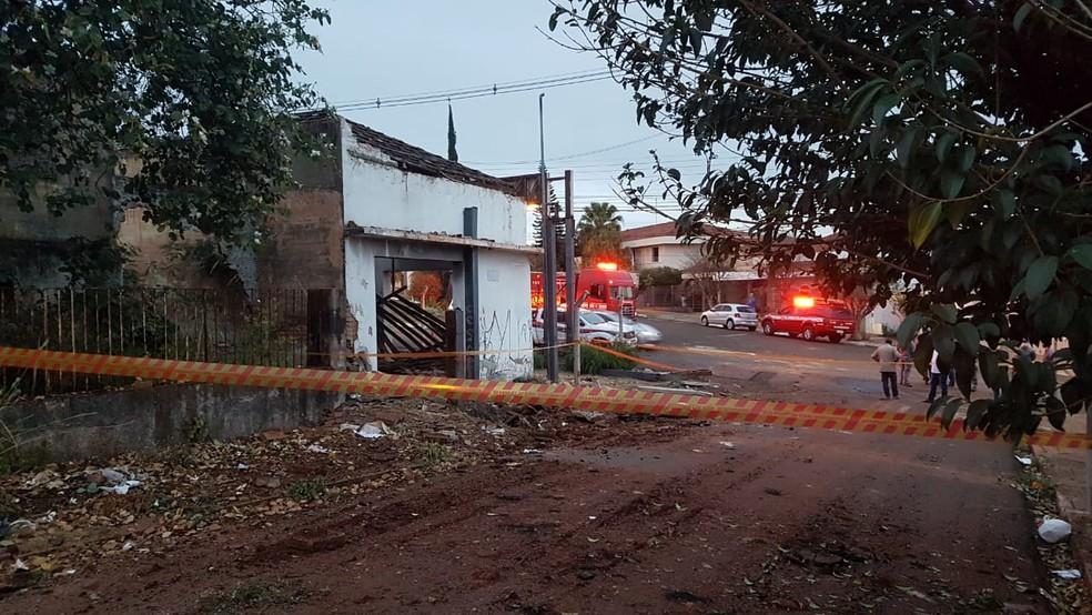 Posto de combustíveis abandonado explode durante desmontagem em Jaú — Foto: Luizinho Andretto/Divulgação