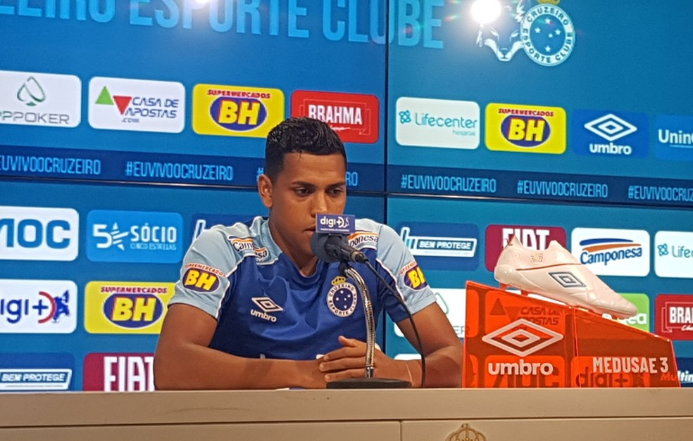 Pedro Rocha, atacante do Cruzeiro, comentou sobre o período turbulento vivido pelo time — Foto: Gabriel Duarte
