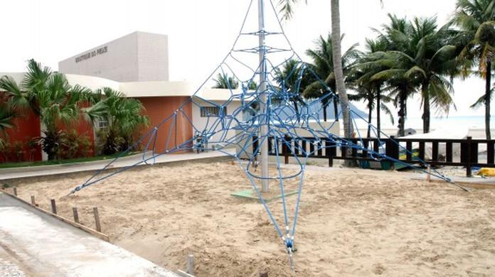 Comércio à beira mar chama a atenção de turistas e valoriza a construção  civil de Praia Grande  902d9b22c2ce1