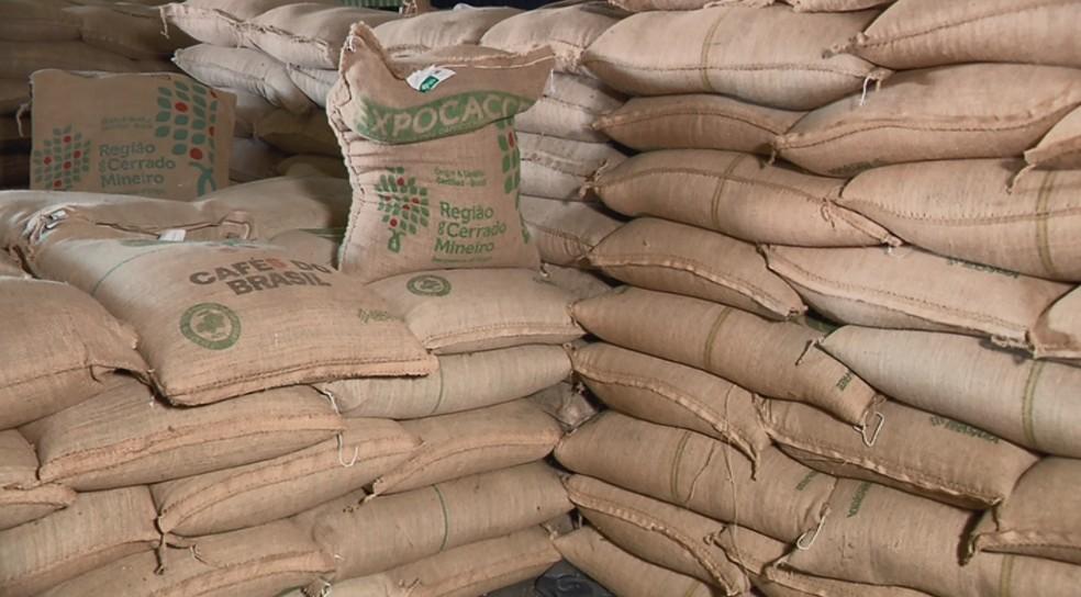 Preço da saca de café em janeiro é o mais baixo dos últimos 5 anos — Foto: Reprodução EPTV