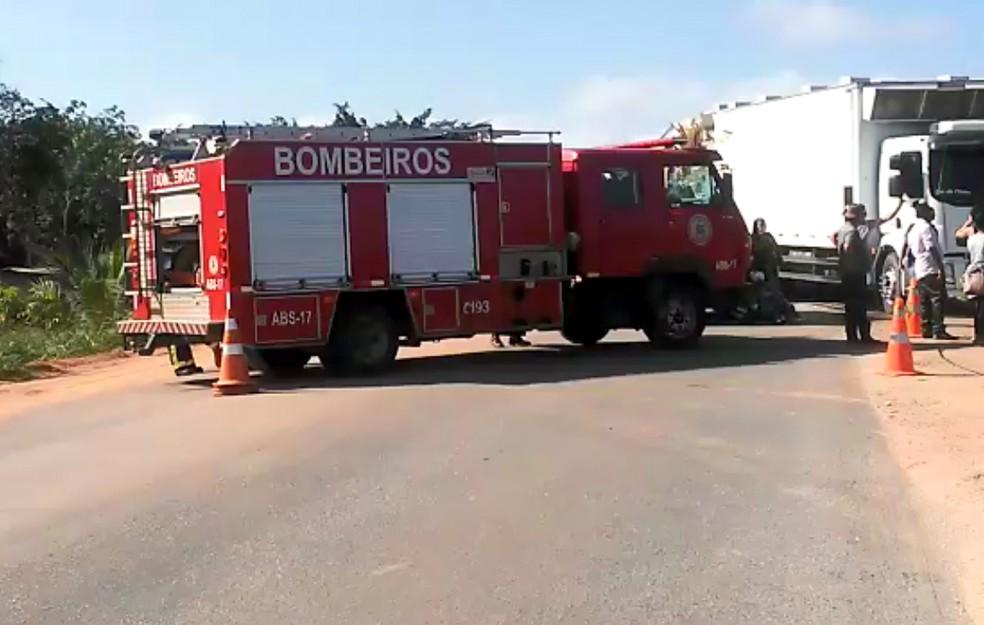 Acidente ocorreu na manhã desta terça-feira â?? Foto: Taísa Moura/TV Santa Cruz
