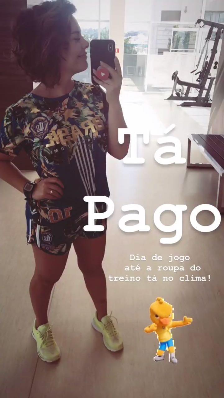 Fernanda Souza: Em dia de jogo, até a roupa do treino tá no clima (Foto: Reprodução/Instagram)