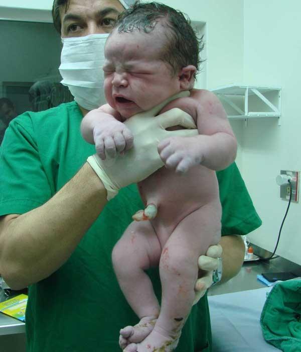 Bebê nasceu no último sábado (12) (Foto: Arquivo Pessoal)