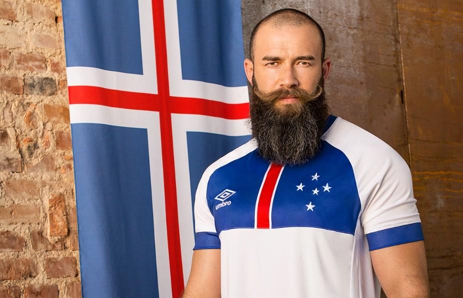 9d37af3260538 ... Segunda camisa do Cruzeiro é lançada com homenagem à seleção da Islândia