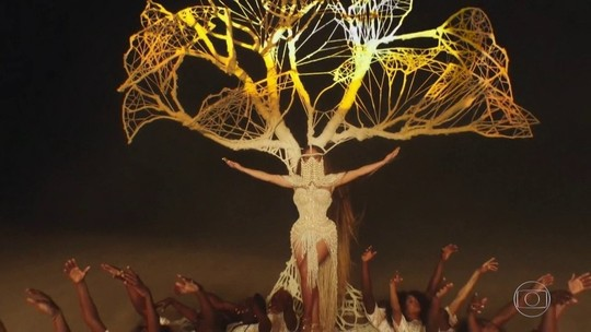 Beyoncé usa vestido de R$ 13 mil feito no Brasil em novo clipe