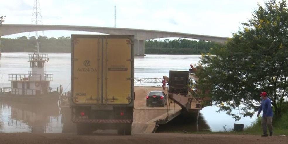 Atualmente Acre paga duas taxas de frete, pela estrada e pelo rio — Foto: Reprodução/Rede Amazônica Acre