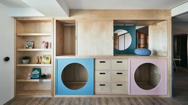 Décor do dia: quarto infantil e brinquedoteca conectados por guarda-roupa lúdico (Foto: Divulgação)