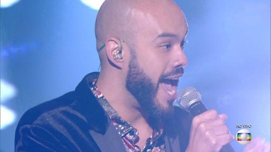 Juliano Barreto é escolhido por Ivete Sangalo e passa para a semifinal do 'The Voice Brasil'