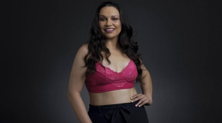 Mulheres que superaram o câncer, como Andressa Soares, na foto, fizeram parte da campanha (Foto: Divulgação)