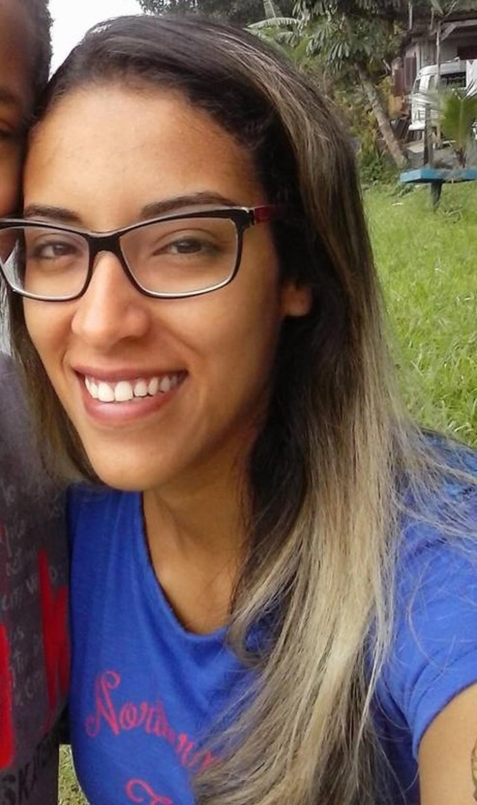 Érica foi morta a facadas pela vizinha em Santos, SP. (Foto: Arquivo Pessoal)