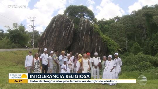 De novo: vândalos jogam sal na Pedra de Xangô, em Salvador