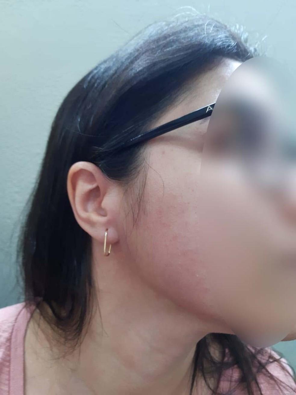 Professora afirma ter sido agredida por mãe de aluno após chamar a atenção do estudante e trocá-lo de lugar em Praia Grande, SP — Foto: Arquivo pessoal