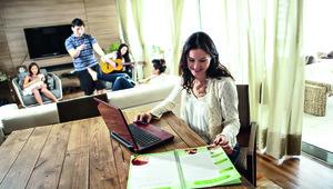 Empresária larga o emprego para cuidar de outros pais
