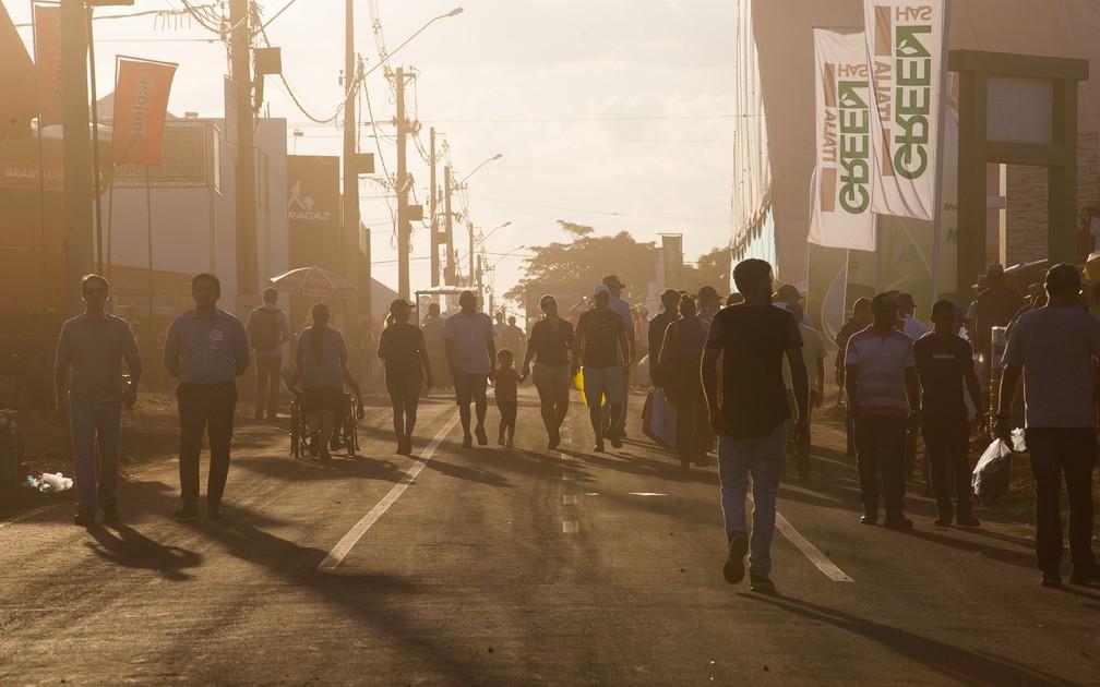 Fim de tarde nas ruas da Agrishow 2018 em Ribeirão Preto (Foto: Érico Andrade/G1)