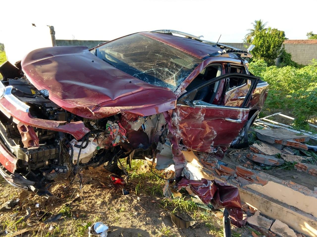 Colisão entre dois carros deixa uma pessoa ferida em São Sebastião, AL  - Notícias - Plantão Diário
