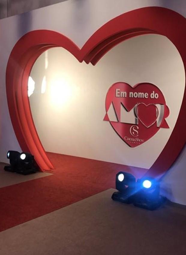 Cenário da nova versão do programa Em Nome do Amor (Foto: Reprodução/Instagram)