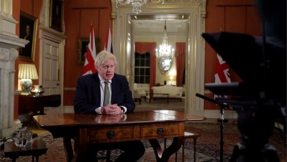 Boris Johnson fez novo recuo e anunciou novo lockdown nesta semana — Foto: DOWNING STREET/BBC