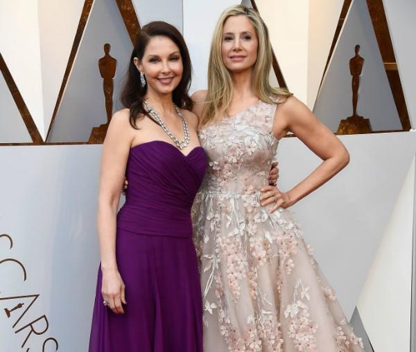Ashley Judd e Mira Sorvino (Foto: Getty Images)