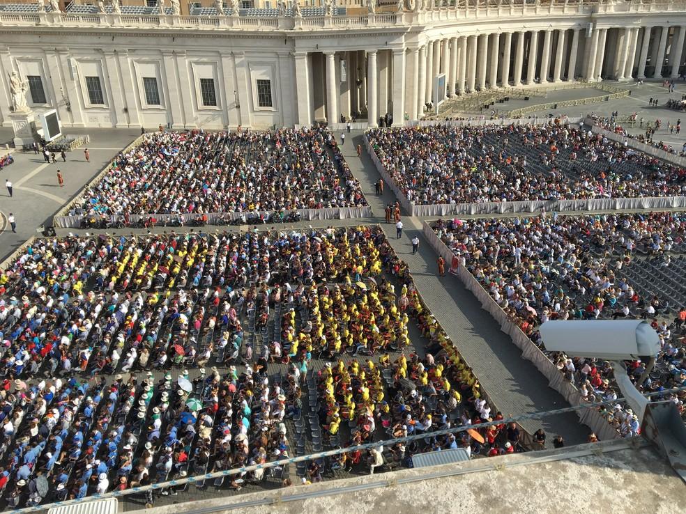 Audiência do Papa acontece todas as quartas, e local sempre enche (Foto: Ivan Raupp)