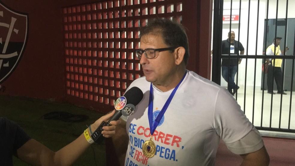 Guto Ferreira apA?s a conquista pelo Bahia (Foto: Thiago Pereira)