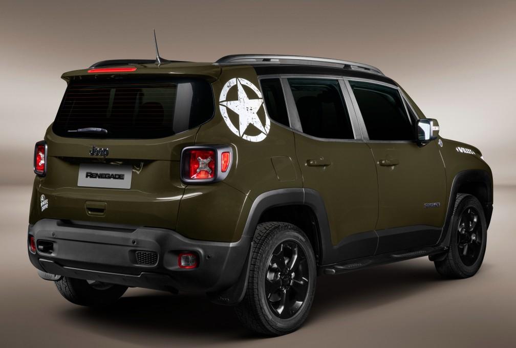 """Estrela que remete a um lema militar está estampada na coluna C; na traseira, logos """"4x4 Diesel"""" dão lugar ao adesivo """"4-Wheel Drive"""" — Foto: Divulgação/Jeep"""