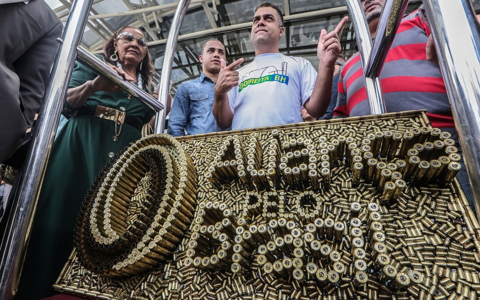 Cartuchos de munição foram usados para compor placa com nome do novo partido de Bolsonaro — Foto: Gabriela Biló/Estadão Conteúdo