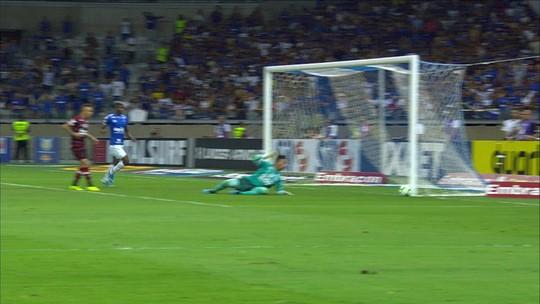 """Contratado """"no olho do furacão"""", Ezequiel nega elenco abatido no Cruzeiro: """"A gente vai sair disso"""""""