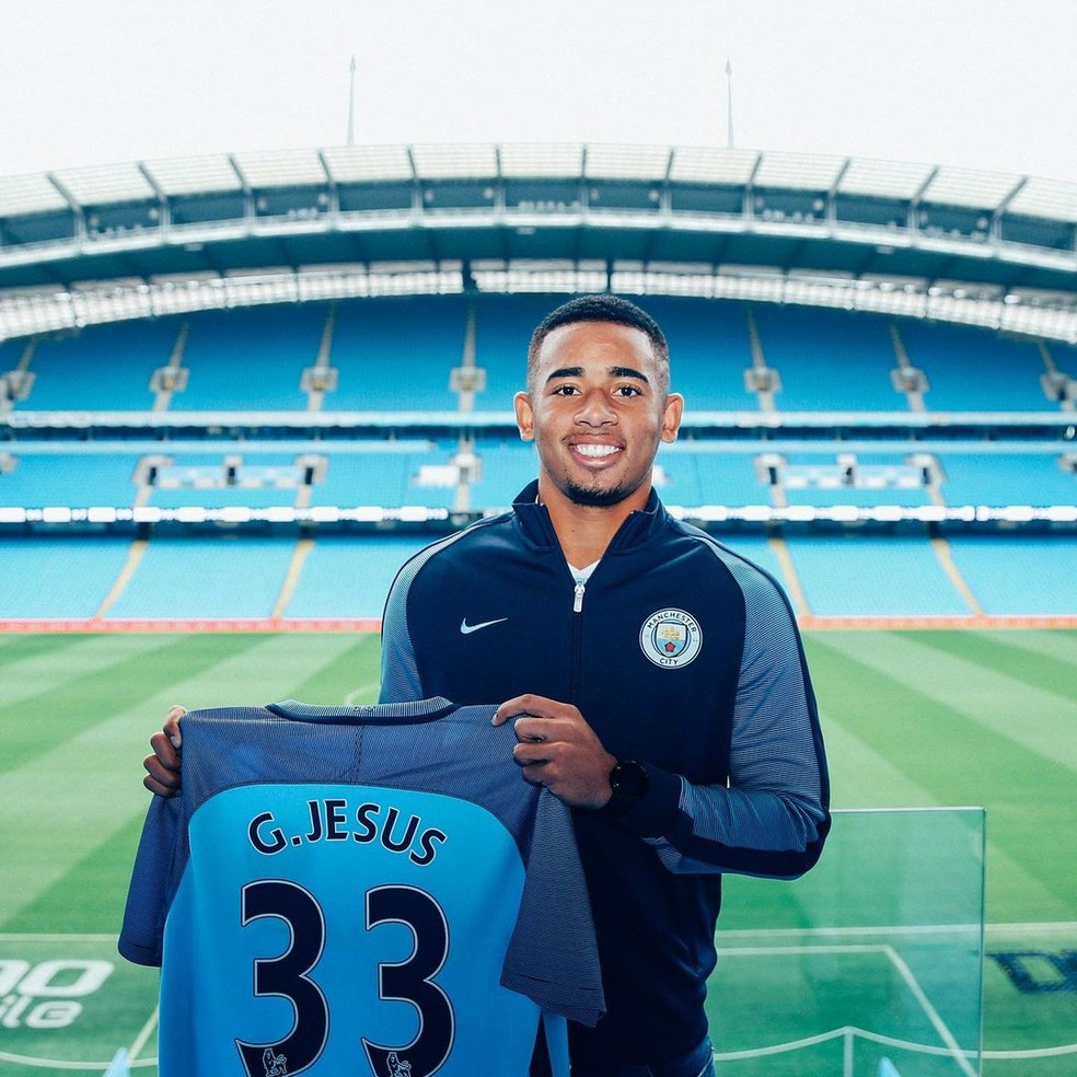Gabriel Jesus completa quatro anos de Manchester City — Foto: Divulgação / Manchester City