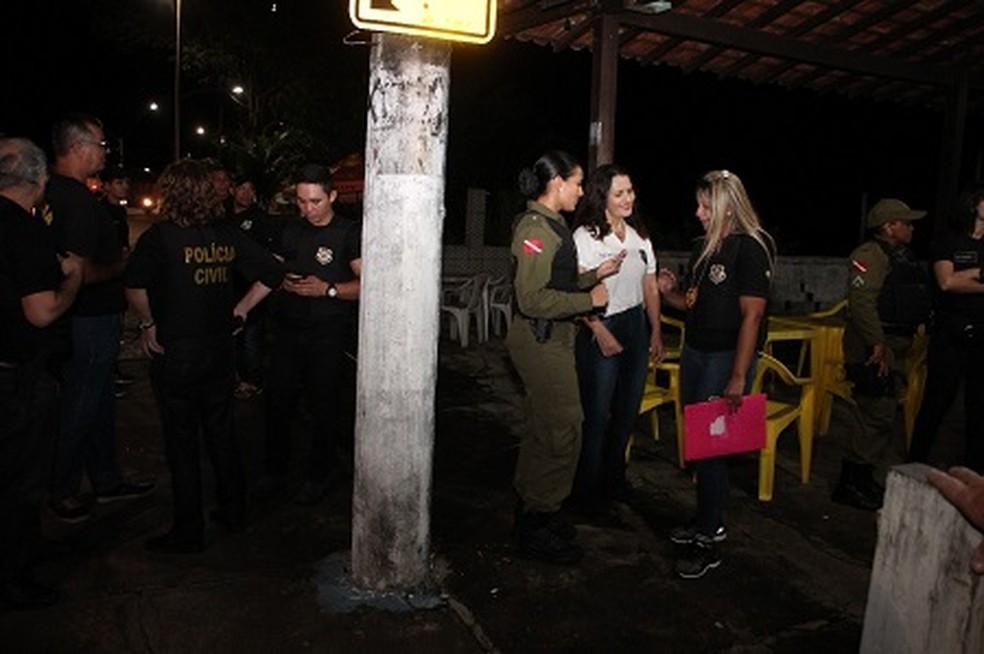 -  Agentes policiais cibem presença de crianças e adolescentes em festas noturnas  Foto: Polícia Civil