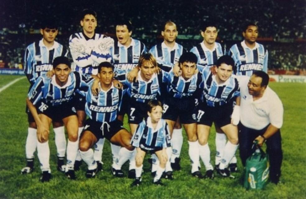 Paulo Nunes venceu a Libertadores com o Grêmio, mas ficou no quase no Mundial, em 1995 (Foto: Divulgação/ Grêmio.net)