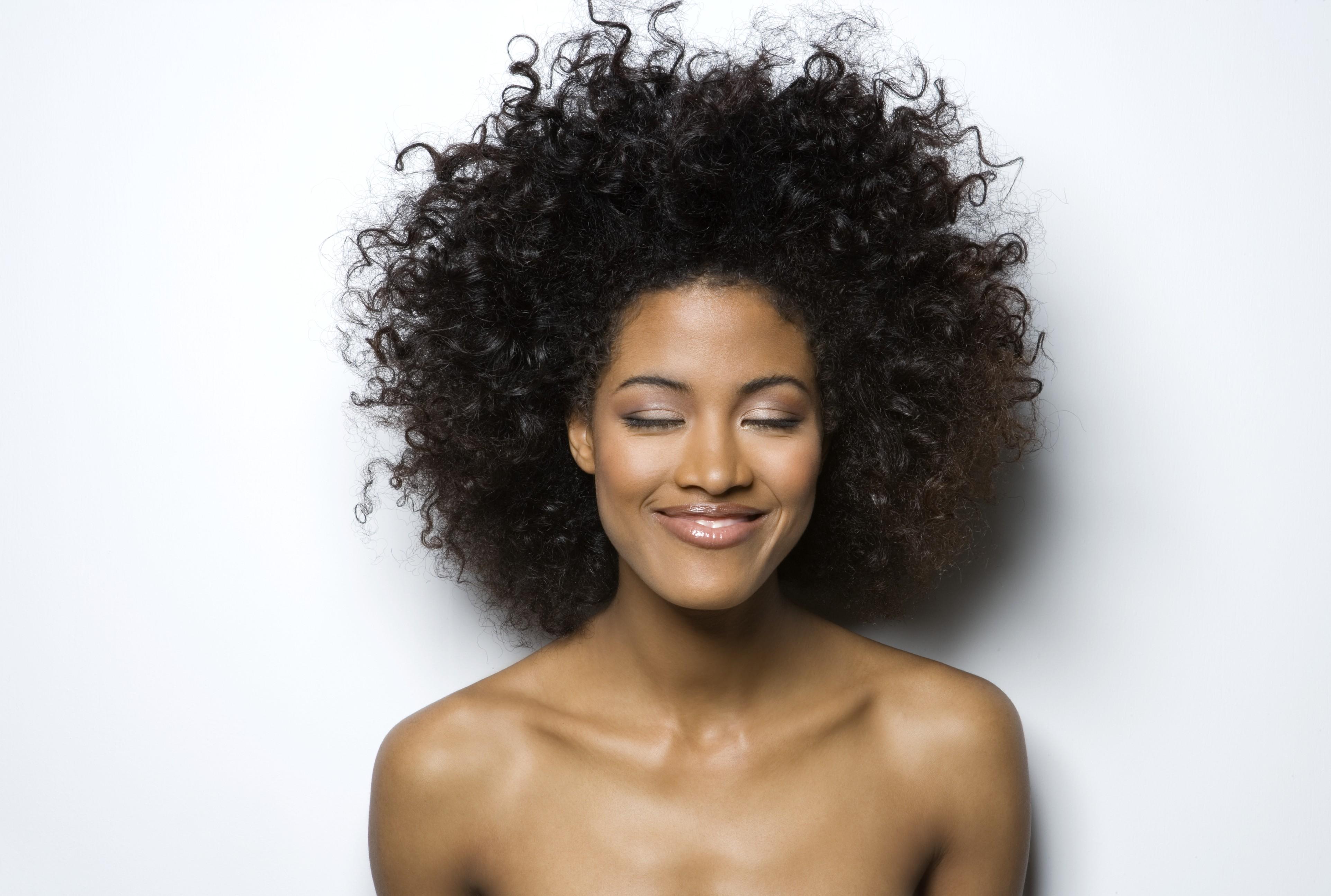Algumas mudanças de hábito podem deixar sua pele linda, sem maquiagem  (Foto: Thinkstock)