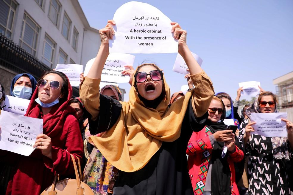 Protesto de mulheres em Cabul, em 3 de setembro de 2021 — Foto: Stringer/Reuters