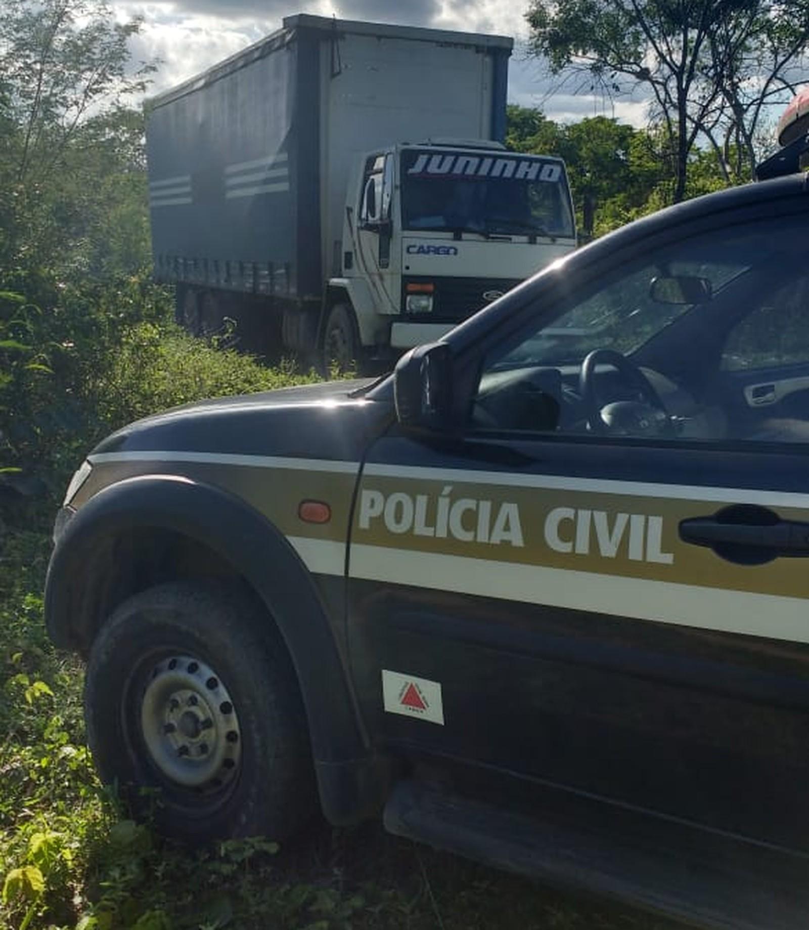 PC recupera carga roubada de café e caminhão avaliados em R$ 200 mil em Cachoeira do Pajeú (MG)