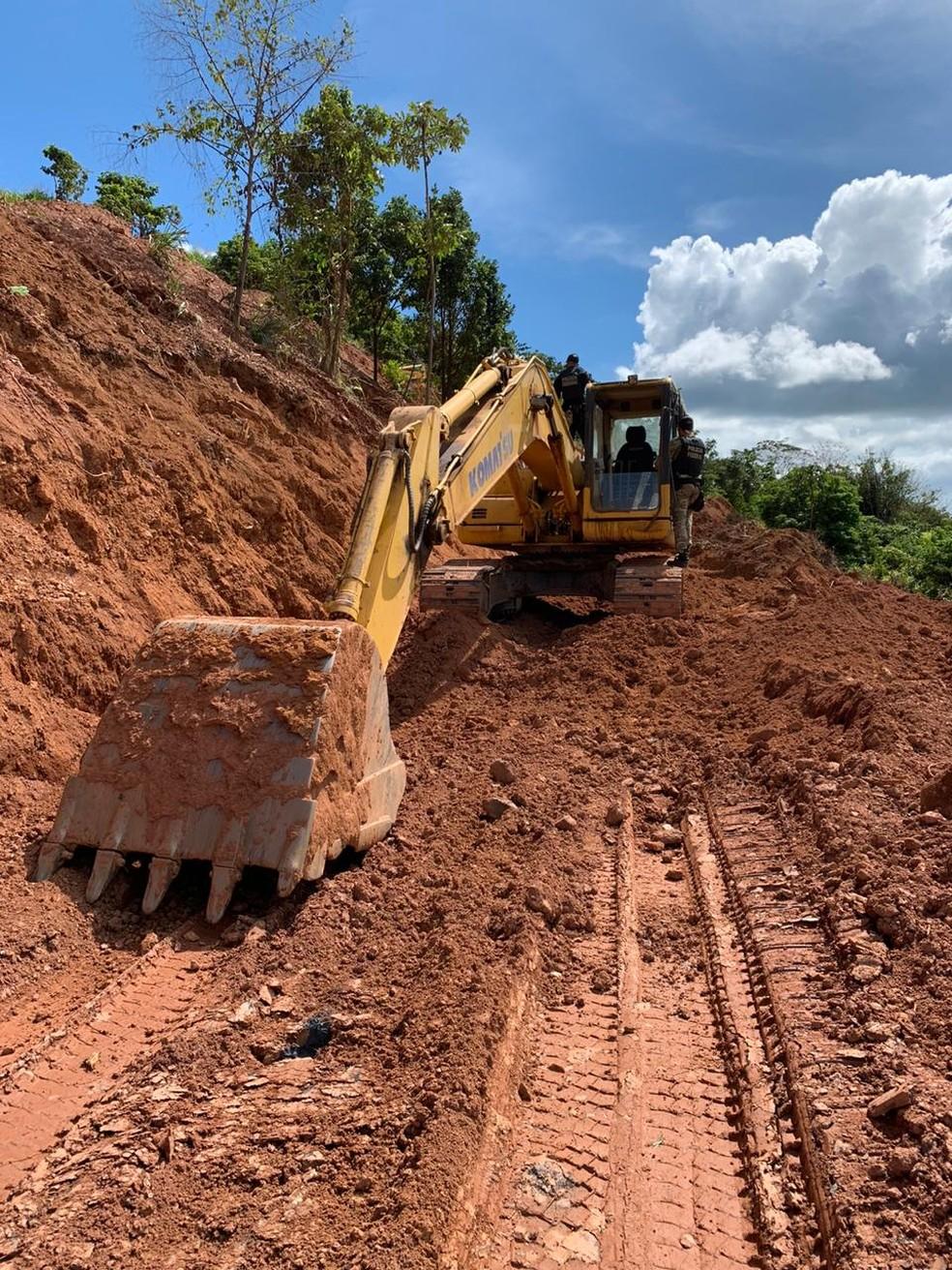 Operação apreende maquinários em área de extração ilegal de minérios no Pará. — Foto: Reprodução / Polícia Federal