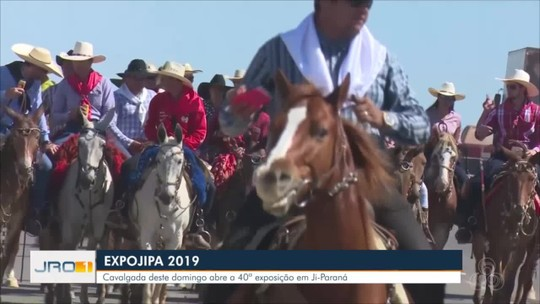 Mais de 10 mil pessoas participam da Cavalgada na abertura da 40ª Expojipa, em RO