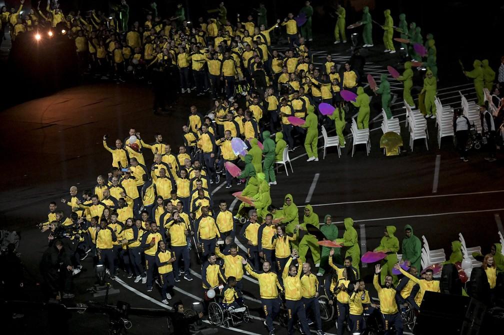 Cena da passagem da delegação brasileira — Foto: Washington Alves/EXEMPLUS/CPB