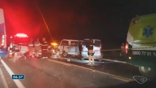 Acidente deixa pelo menos uma pessoa morta na BR-101 em Aracruz, ES
