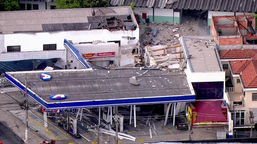 -  Um posto de combustíveis é visto após explosão na Zona Norte de São Paulo  Foto: Reprodução/TV Globo
