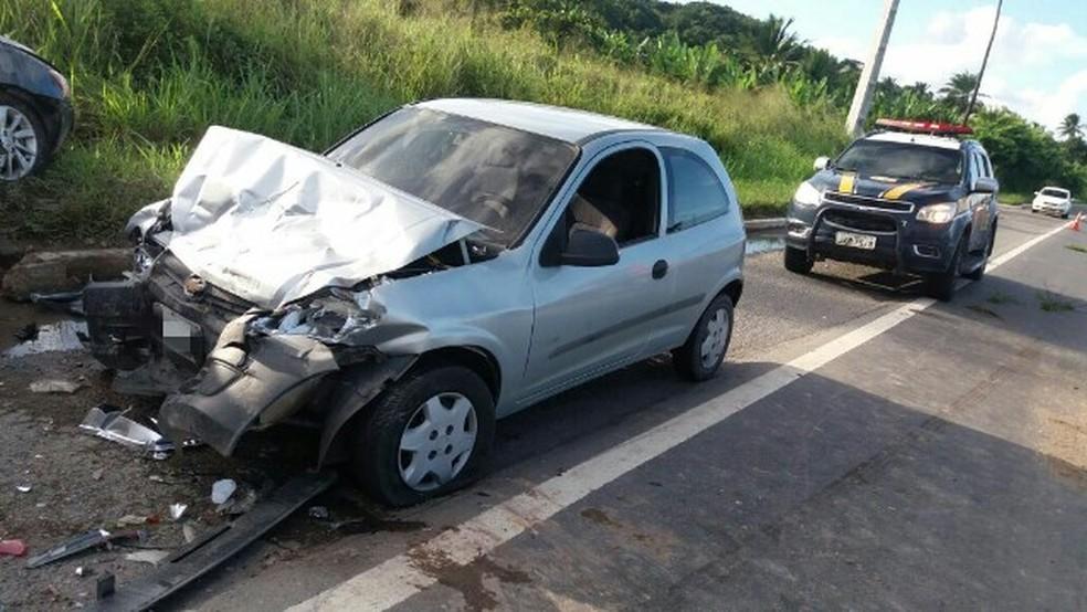Acidente ocorreu no quilômetro 86 da BR-101 (Foto: Polícia Rodoviária Federal/Divulgação)