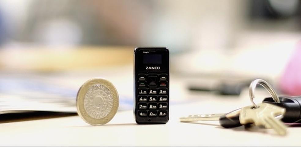Zanco tiny T1 é o menor smartphone do mundo (Foto: Divulgação/ Zini Mobiles)