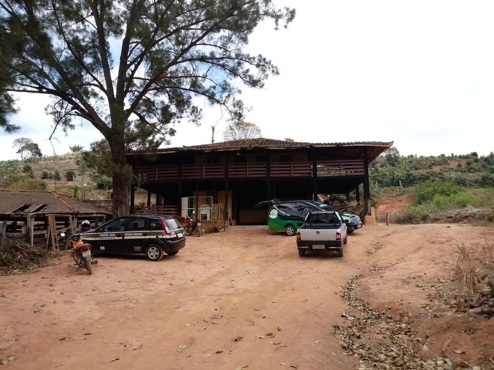 Corpo da mulher foi encontrado com sinais de violência na zona rural de Piedade de Caratinga (Foto: Rejane Pires/Arquivo pessoal)