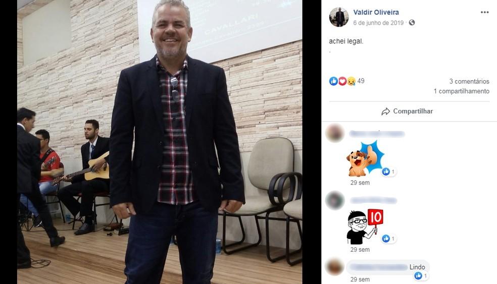 Valdir de Oliveira foi sepultado na quarta-feira (1º) no Cemitério Parque das Orquídeas — Foto: Facebook/Reprodução
