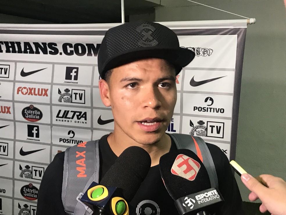 Marquinhos Gabriel falou sobre o Santos na zona mista (Foto: Bruno Cassucci)