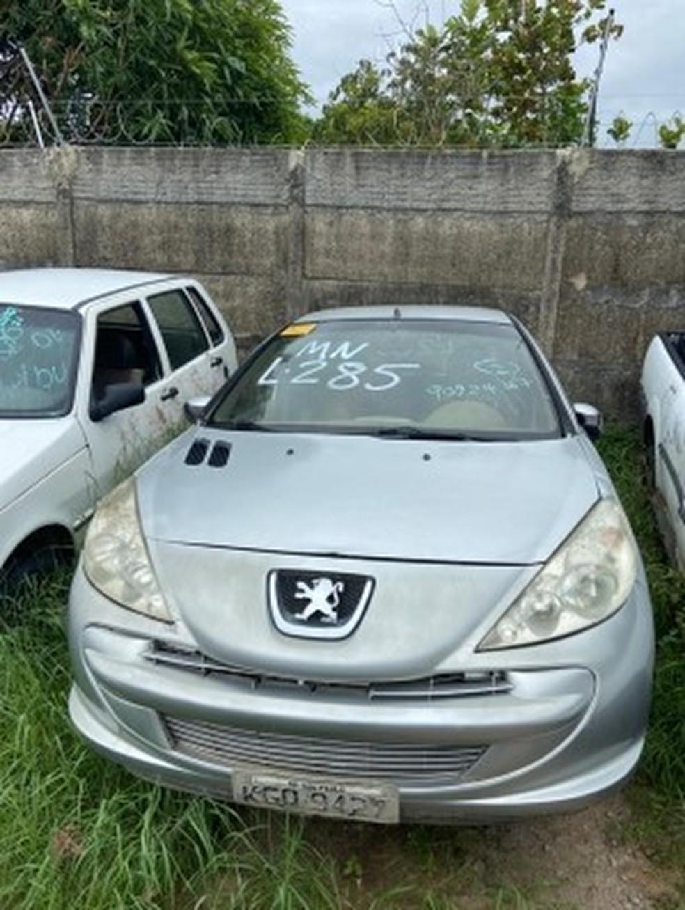 Parte dos carros e motos colocados a leilão pela PRF pode colocada em circulação, enquanto outra deve virar sucata. — Foto: PRF/Divulgação