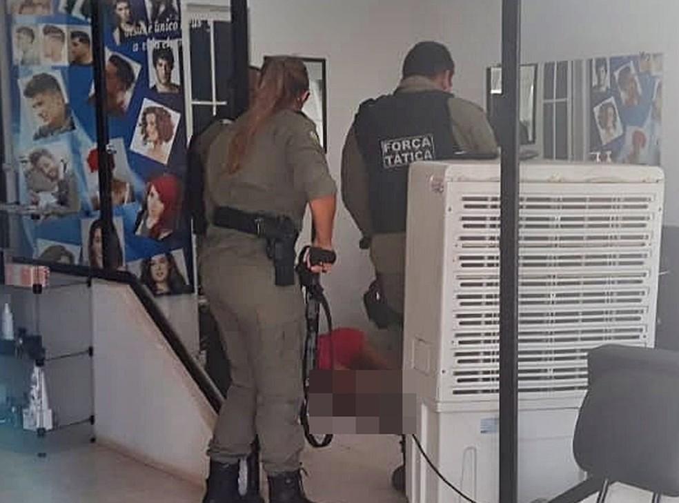 Mulher é assassinada a tiros dentro de salão de beleza no Norte do Piauí — Foto: Piracuruca Ao Vivo