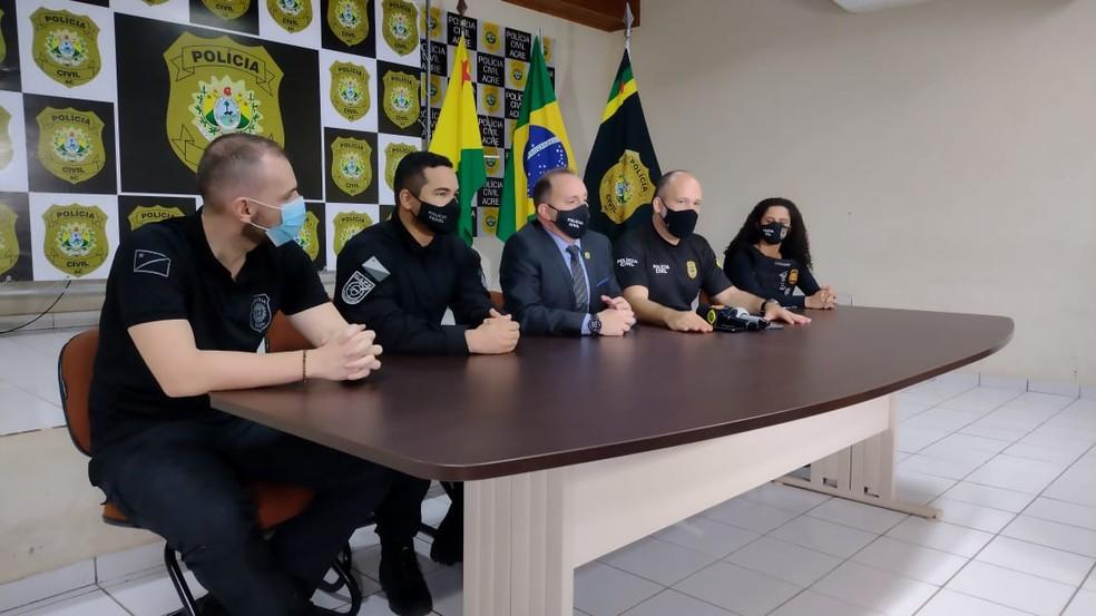 Polícia cumpre 10 mandados de busca e prende três em operação de combate à organização criminosa — Foto: Lidson Almeida/Rede Amazônica