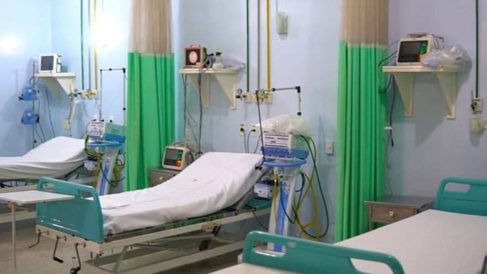 Leitos nas alas de atendimento da UPA de Sumaré para pacientes com sintomas do novo coronavírus. — Foto: Fabio Trevisan