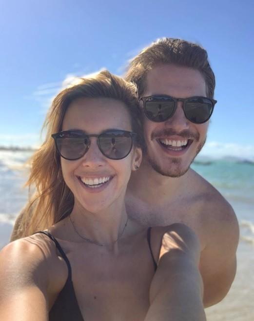 Caio Paduan e a namorada, a jornalista Cris Dias (Foto: Reprodução / Instagram)