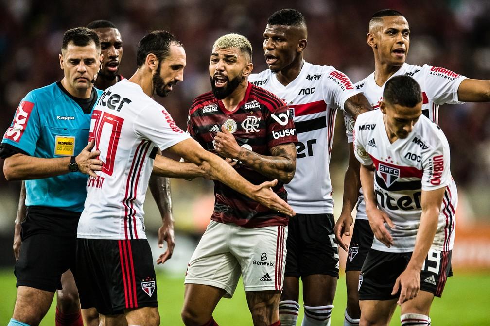 Defesa do São Paulo passou ilesa diante do Flamengo, dono do melhor ataque do Brasileirão, no Maracanã — Foto: Jorge R Jorge/BP Filmes