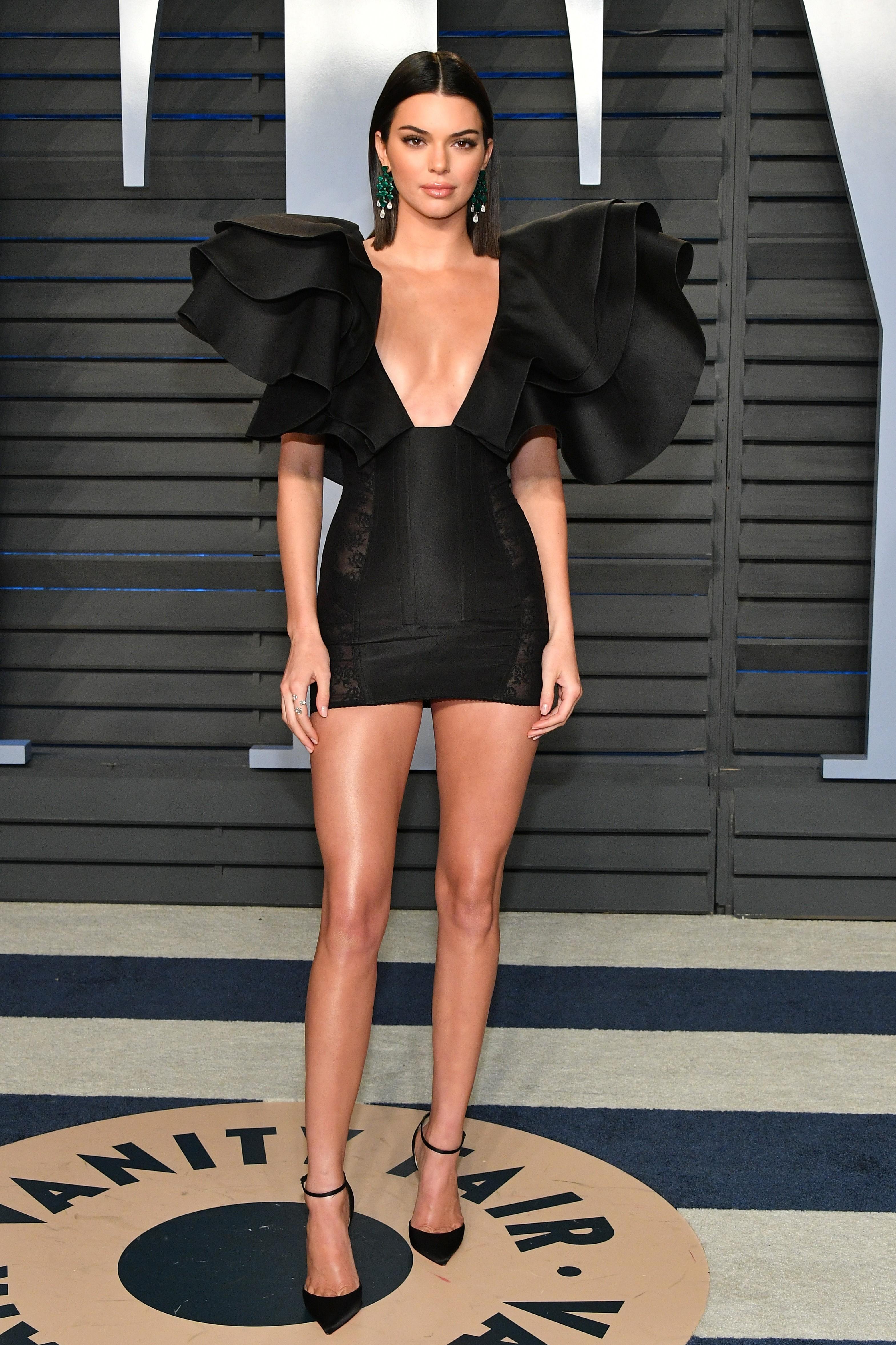 Kendall Jenner na festa pós-Oscar da revista Vanity Fair (Foto: Getty Images)